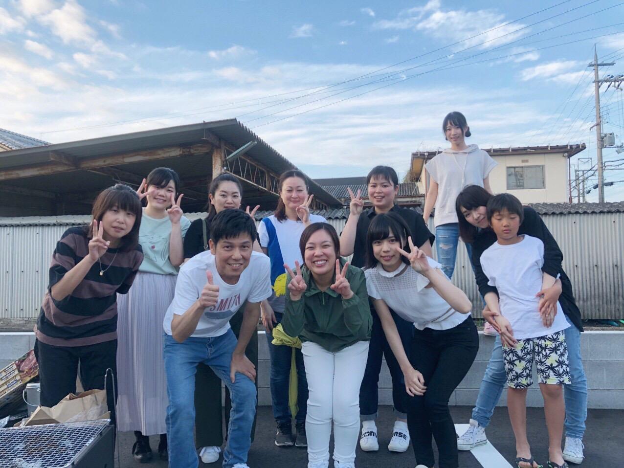先生のお誕生日会と西川さんの卒業式のイメージ